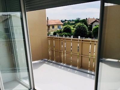 APPARTEMENT T3 A LOUER - ST PRIEST - 60,25 m2 - 718 € charges comprises par mois