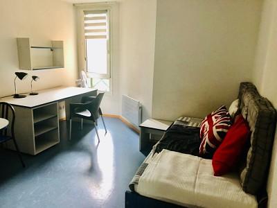 STUDIO A LOUER - LYON 8EME ARRONDISSEMENT - 20,12 m2 - 500 € charges comprises par mois
