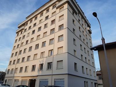 APPARTEMENT T3 A LOUER - LYON 8EME ARRONDISSEMENT - 78,51 m2 - 930 € charges comprises par mois