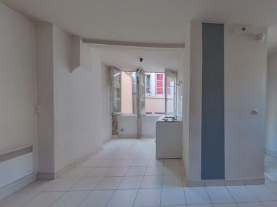 APPARTEMENT T1 A LOUER - LYON 2EME ARRONDISSEMENT - 24,71 m2 - 490 € charges comprises par mois