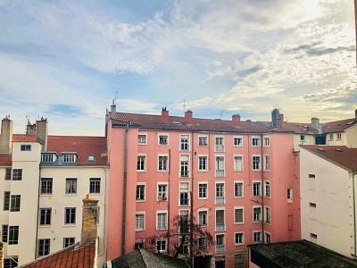 APPARTEMENT T4 A LOUER - LYON 2EME ARRONDISSEMENT - 96,72 m2 - 1220 € charges comprises par mois