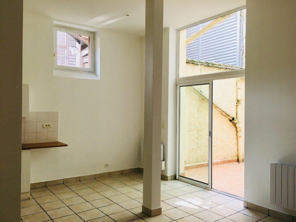 Appartement t1 a louer lyon 9eme arrondissement39 15 m2 for Appartement a louer meuble lyon