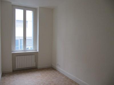 APPARTEMENT T1 A LOUER - LYON 6EME ARRONDISSEMENT - 16,83 m2 - 430 € charges comprises par mois