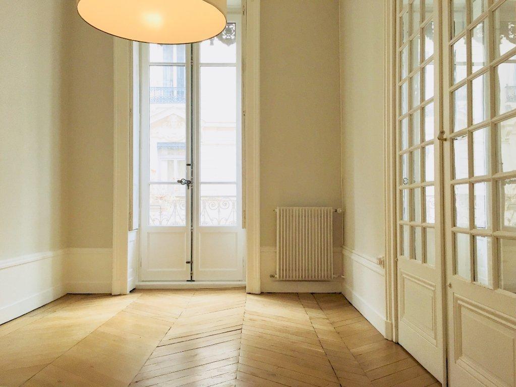 appartement t4 lyon 2eme arrondissement bellecour95 21 m2 lou immobilier lyon 2eme. Black Bedroom Furniture Sets. Home Design Ideas