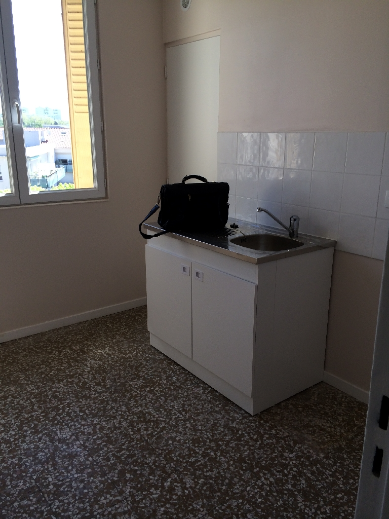APPARTEMENT T4 - ST PRIEST62,22 m2 665 € charges comprises par mois