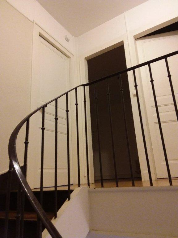 MAISON A LOUER - BRON - 96,56 m2 - 1230 € charges comprises par mois