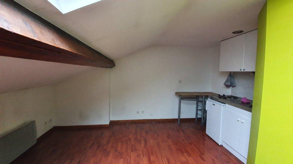 STUDIO A LOUER - VILLEURBANNE - 16,18 m2 - 420 € charges comprises par mois
