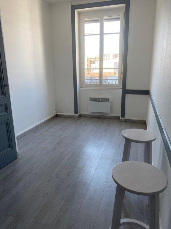 STUDIO A LOUER - VILLEURBANNE - 16,31 m2 - 495 € charges comprises par mois