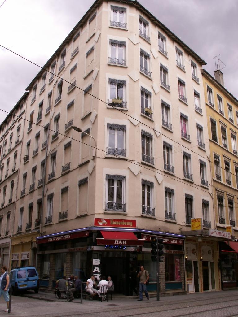 APPARTEMENT T1 A LOUER - LYON 7EME ARRONDISSEMENT - 31,29 m2 - 580 € charges comprises par mois