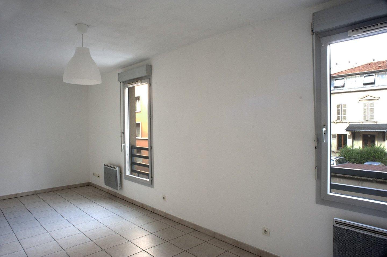 APPARTEMENT T1 A LOUER - VILLEURBANNE - 29 m2 - 615 € charges comprises par mois
