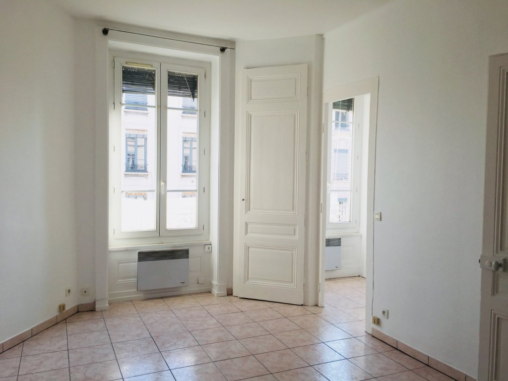 APPARTEMENT T1 A LOUER - VILLEURBANNE - 27,58 m2 - 505 € charges comprises par mois