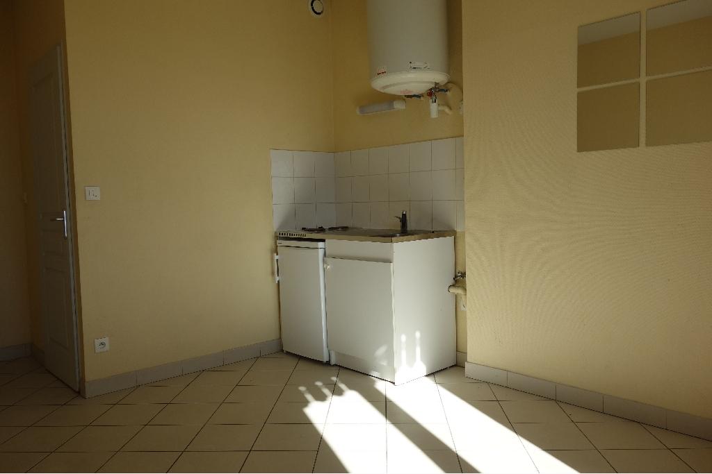 APPARTEMENT T1 A LOUER - VILLEURBANNE - 18,4 m2 - 387,08 € charges comprises par mois