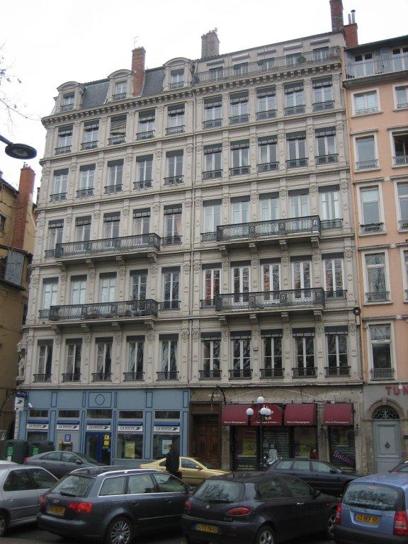 APPARTEMENT T2 A LOUER - LYON 2EME ARRONDISSEMENT CORDELIERS - 61,07 m2 - 815 € charges comprises par mois