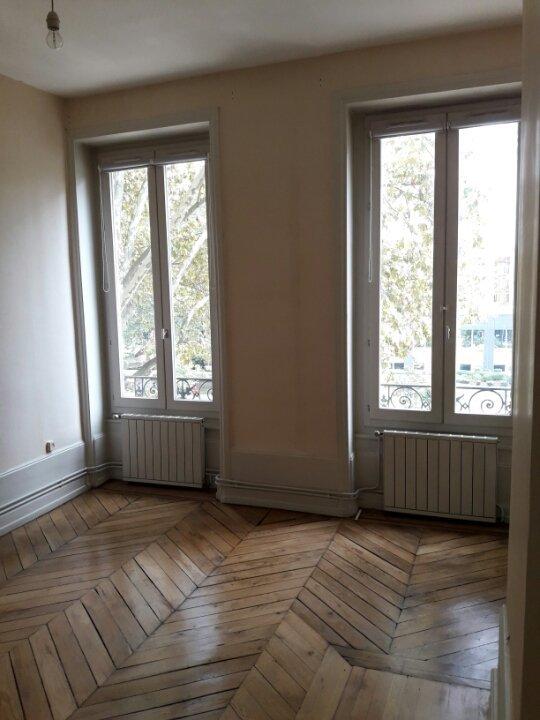 APPARTEMENT T2 A LOUER - LYON 3EME ARRONDISSEMENT - 66,25 m2 - 810 € charges comprises par mois