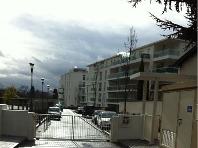APPARTEMENT T3 A LOUER - CALUIRE ET CUIRE - 65,03 m2 - 970 € charges comprises par mois