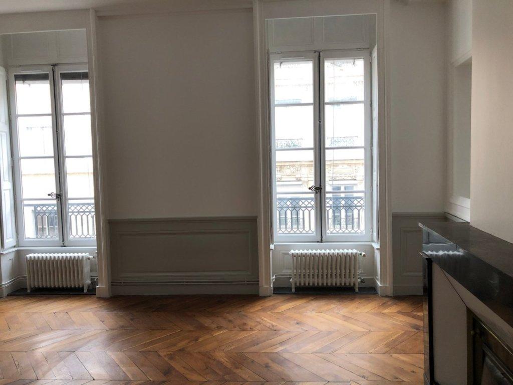 APPARTEMENT T3 A LOUER - LYON 2EME ARRONDISSEMENT - 94,86 m2 - 1535 € charges comprises par mois