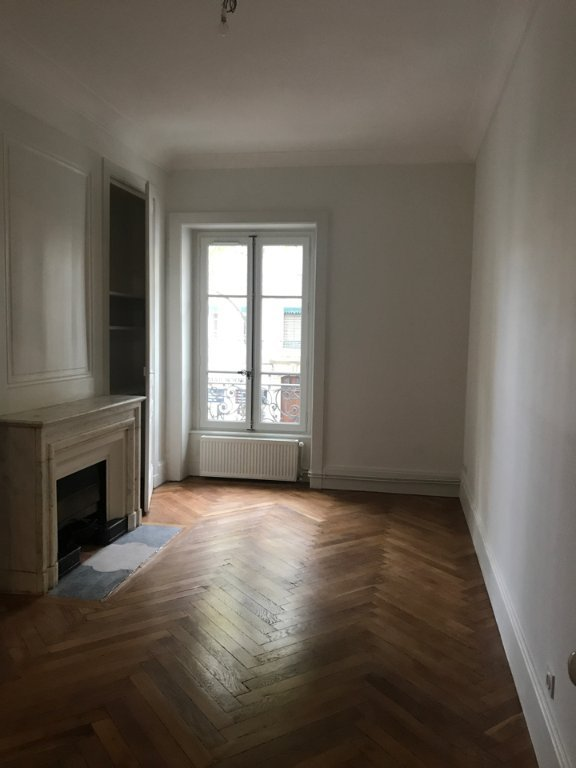 APPARTEMENT T4 - LYON 3EME ARRONDISSEMENT PLACE GUICHARD - 100,02 m2 - LOUÉ
