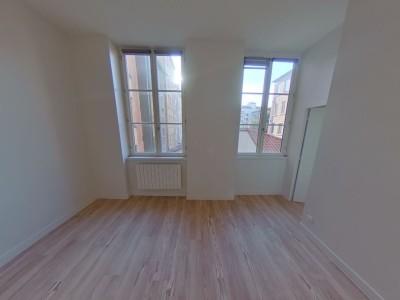 APPARTEMENT T3 A LOUER - LYON 4EME ARRONDISSEMENT - 63,54 m2 - 1062 € charges comprises par mois