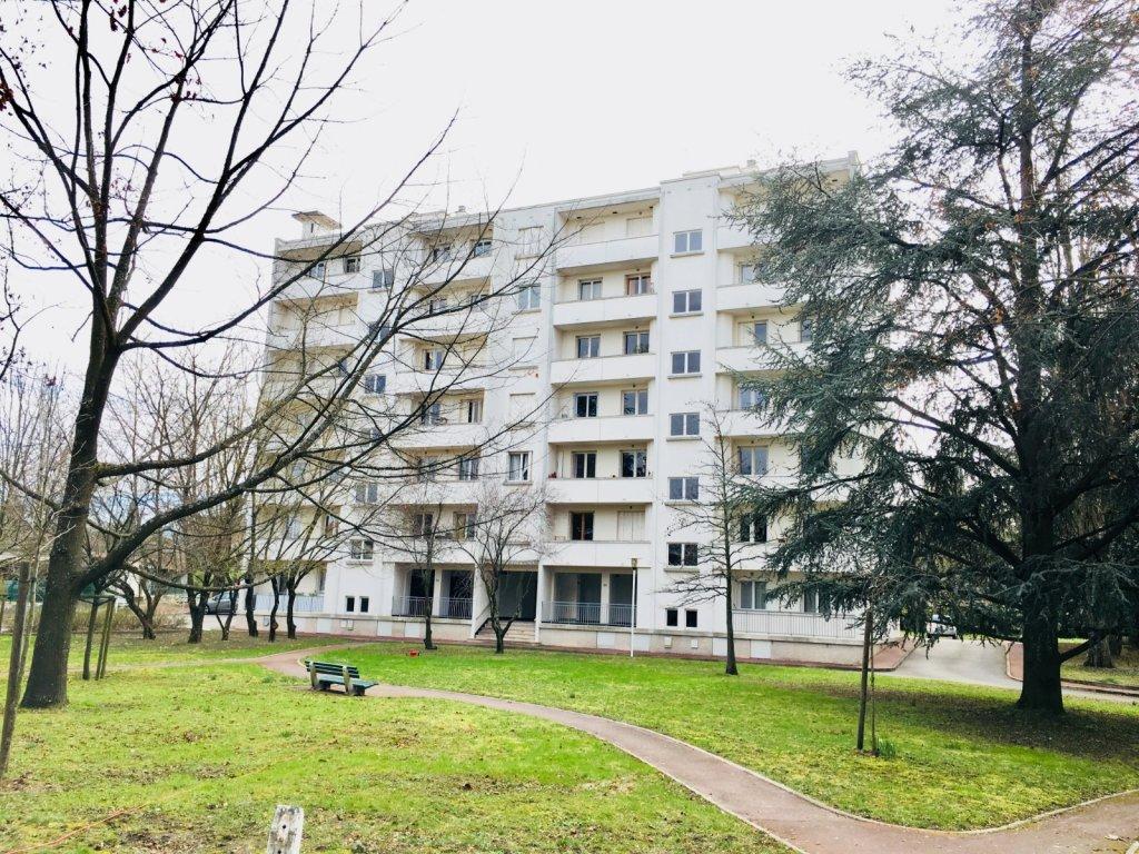 appartement t3 a louer lyon 5eme arrondissement 77 59 m2 890 charges comprises par mois. Black Bedroom Furniture Sets. Home Design Ideas