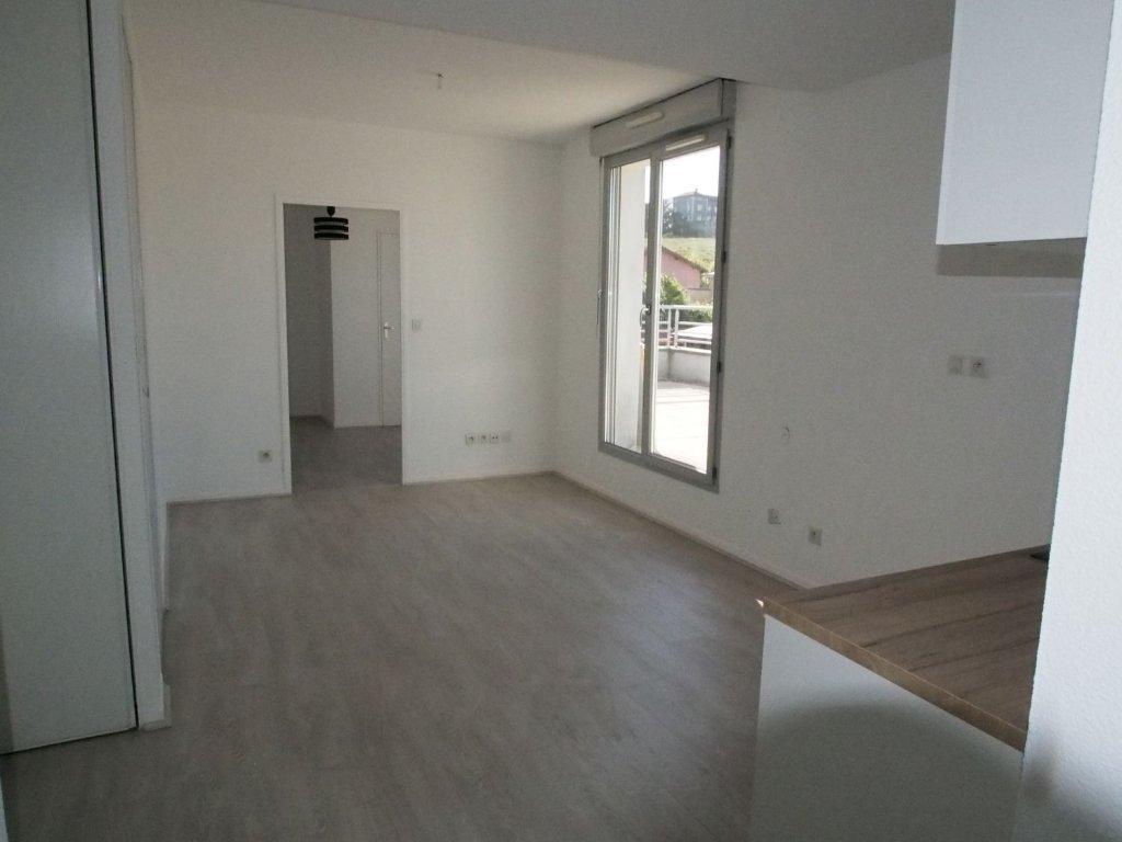 APPARTEMENT T3 - ST GENIS LAVAL - 44,71 m2 - LOUÉ