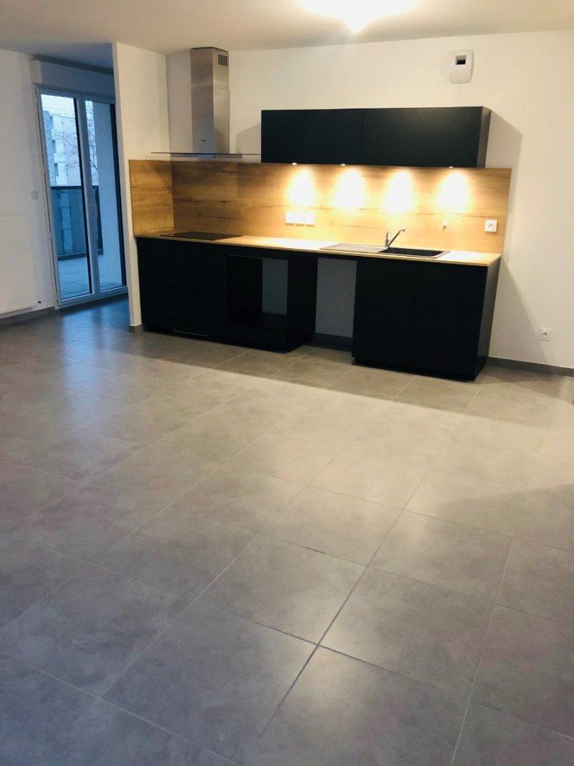 APPARTEMENT T3 A LOUER - VAULX EN VELIN - 65,85 m2 - 855 € charges comprises par mois