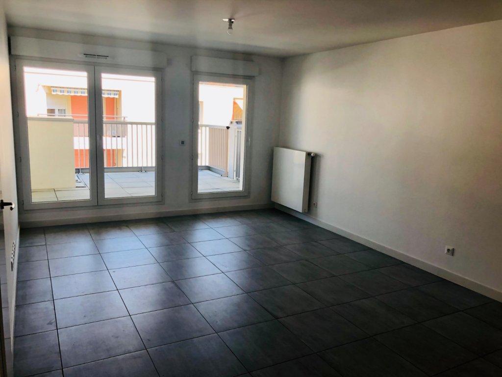 APPARTEMENT T3 A LOUER - VILLEURBANNE - 61,55 m2 - 820 € charges comprises par mois