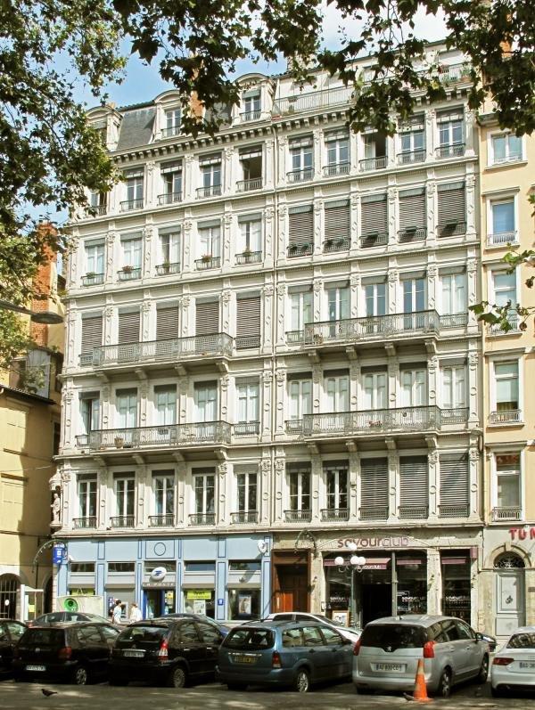 APPARTEMENT T5 A LOUER - LYON 2EME ARRONDISSEMENT - 151,75 m2 - 2600 € charges comprises par mois
