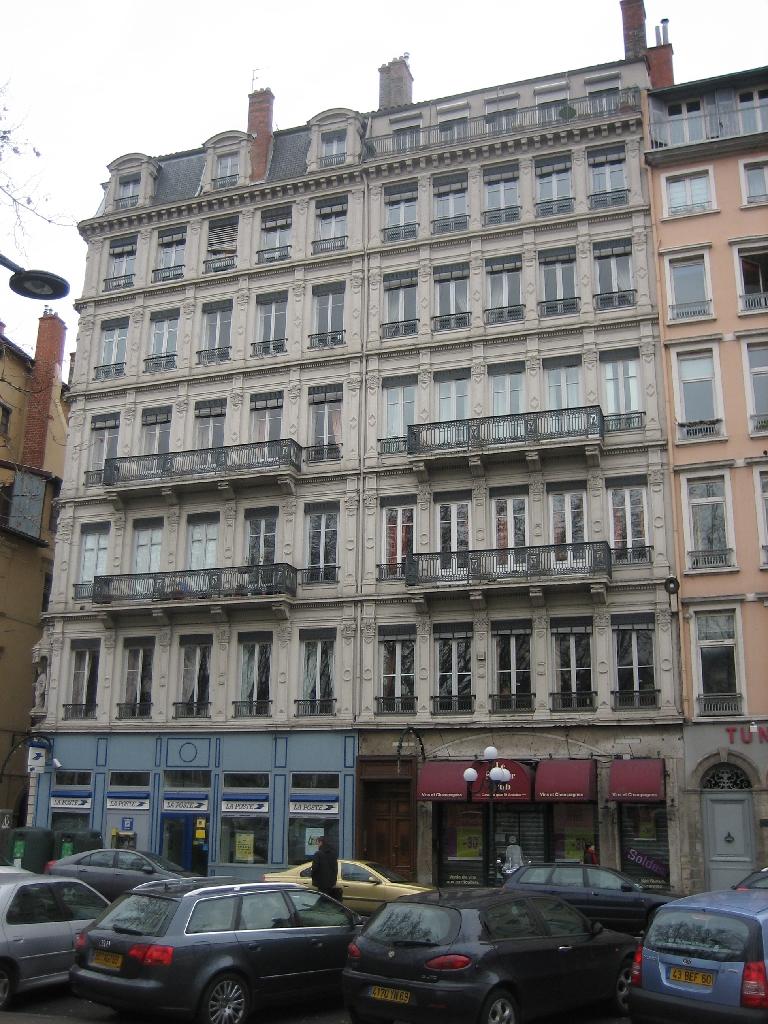 APPARTEMENT T5 A LOUER - LYON 2EME ARRONDISSEMENT - 147,09 m2 - 1790 € charges comprises par mois