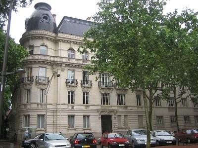 APPARTEMENT T6 A LOUER - LYON 6EME ARRONDISSEMENT PARC TETE D OR - 197,68 m2 - 3070 € charges comprises par mois